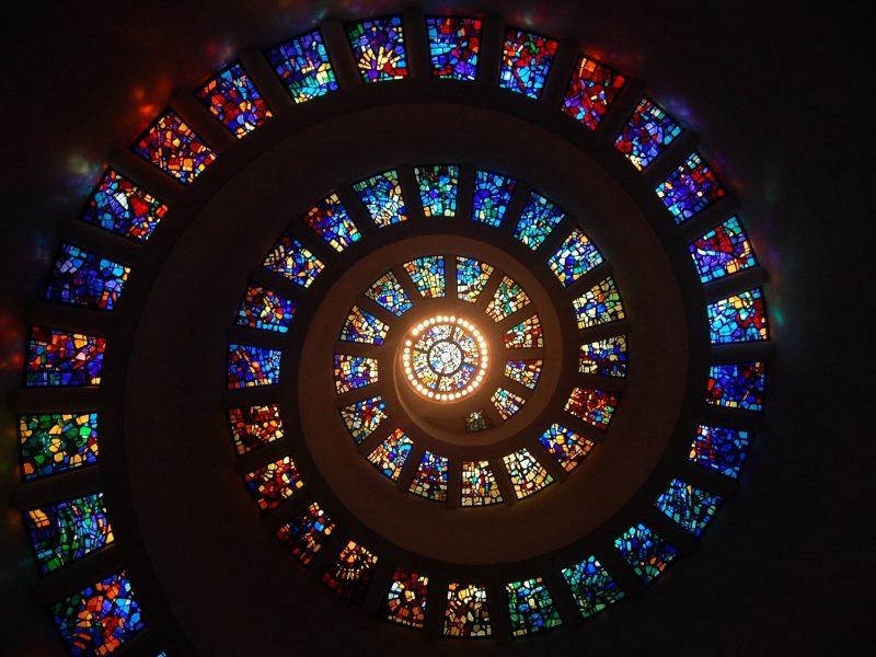 Las cartas del tarot, los rituales y su efecto en las creencias religiosas