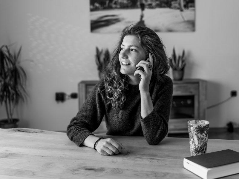 Lectura de cartas del tarot por teléfono: ¿Cómo funcionan?